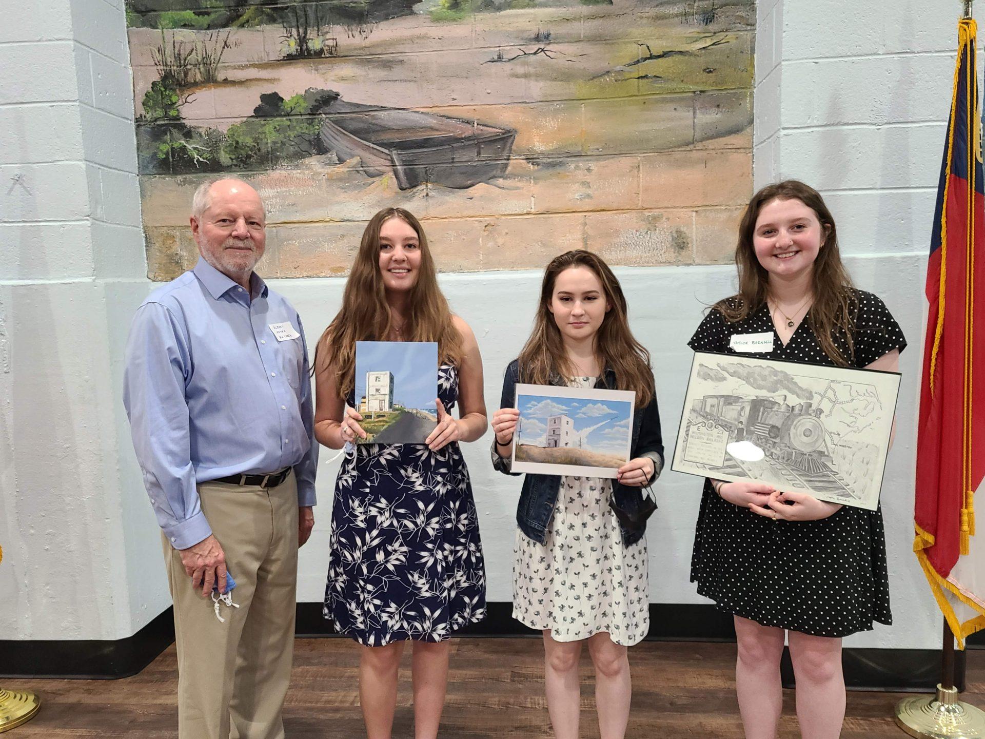 2021-04-08 HSTI Scholarship Winners with Chairman